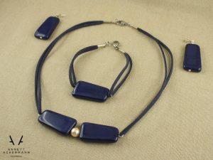 Schmuckset aus Kette, Armband und Ohrringen aus blauen Glasperlen