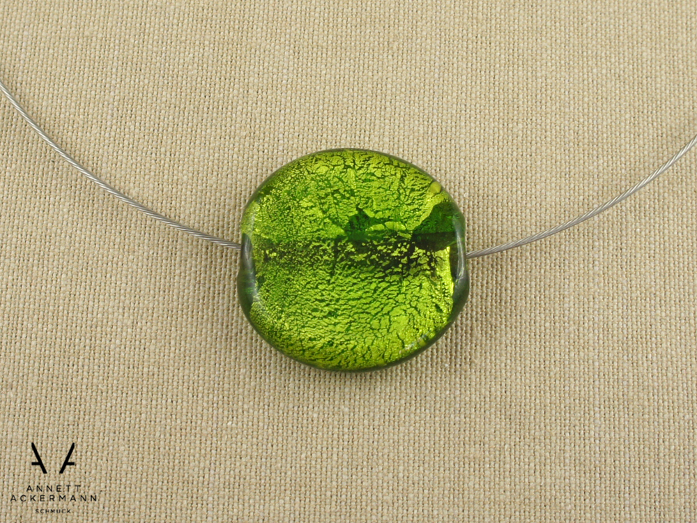 Green Gala // Collier-Stein